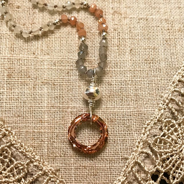 """Diggin' this dainty moonstone necklace.  It's so soft with shades of peach, gray and white moonstone.  And I've had the copper Swarovski crystal for years and never found the """"right fit"""" until now 😍 . #myredbead #dainty #daintyjewelry #summerjewelry #moonstone #beachjewelry #simplestyle #handknotted #artist #jewelrydesigner #jewelryartist #oneofakindjewelry #fashionbloggers #stylebloggers #igbloggers #jewelryblogger"""