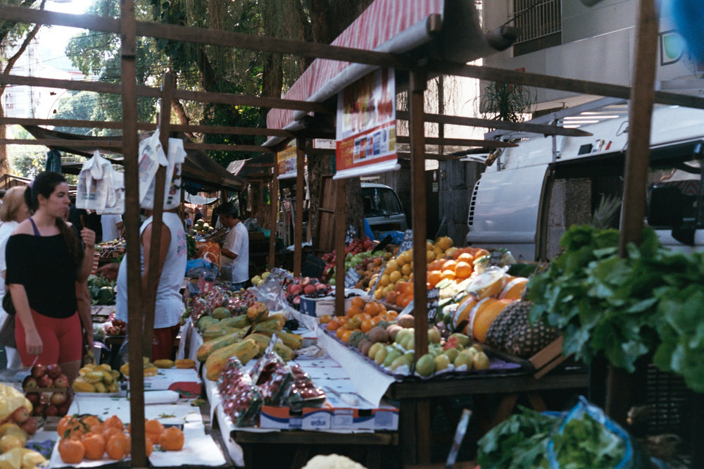 Side-street produce market