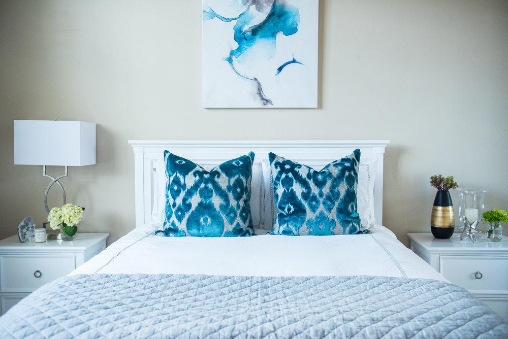 16 - Bedroom+Blues+Modern+Bright+Accessories.jpg
