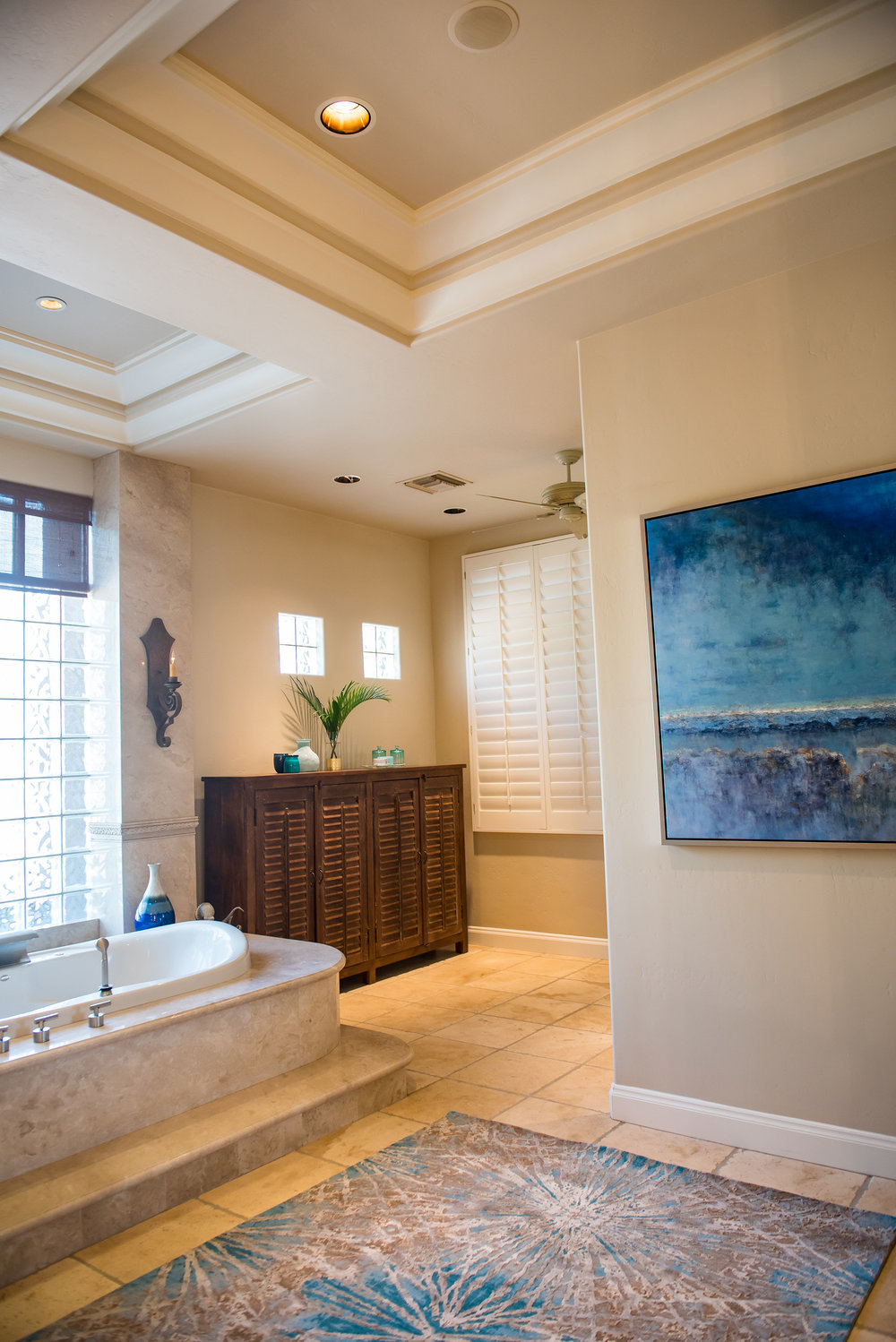 22 - MasterBath+Blues+Modern+Art+Spa+Luxe.jpg