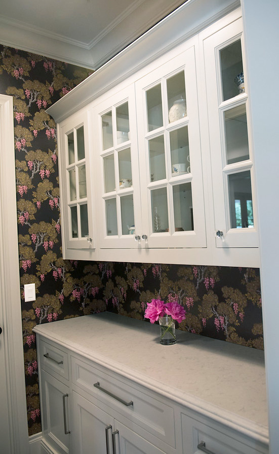 25+Butlers+Pantry+Wallpaper+Glasscabinets+Floral+Black+Bold.jpg