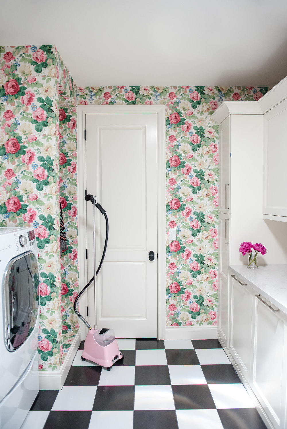 43+Laundry+Checkerboard+Floral+BlackandWhite+Feminine+Wallpaper.jpg