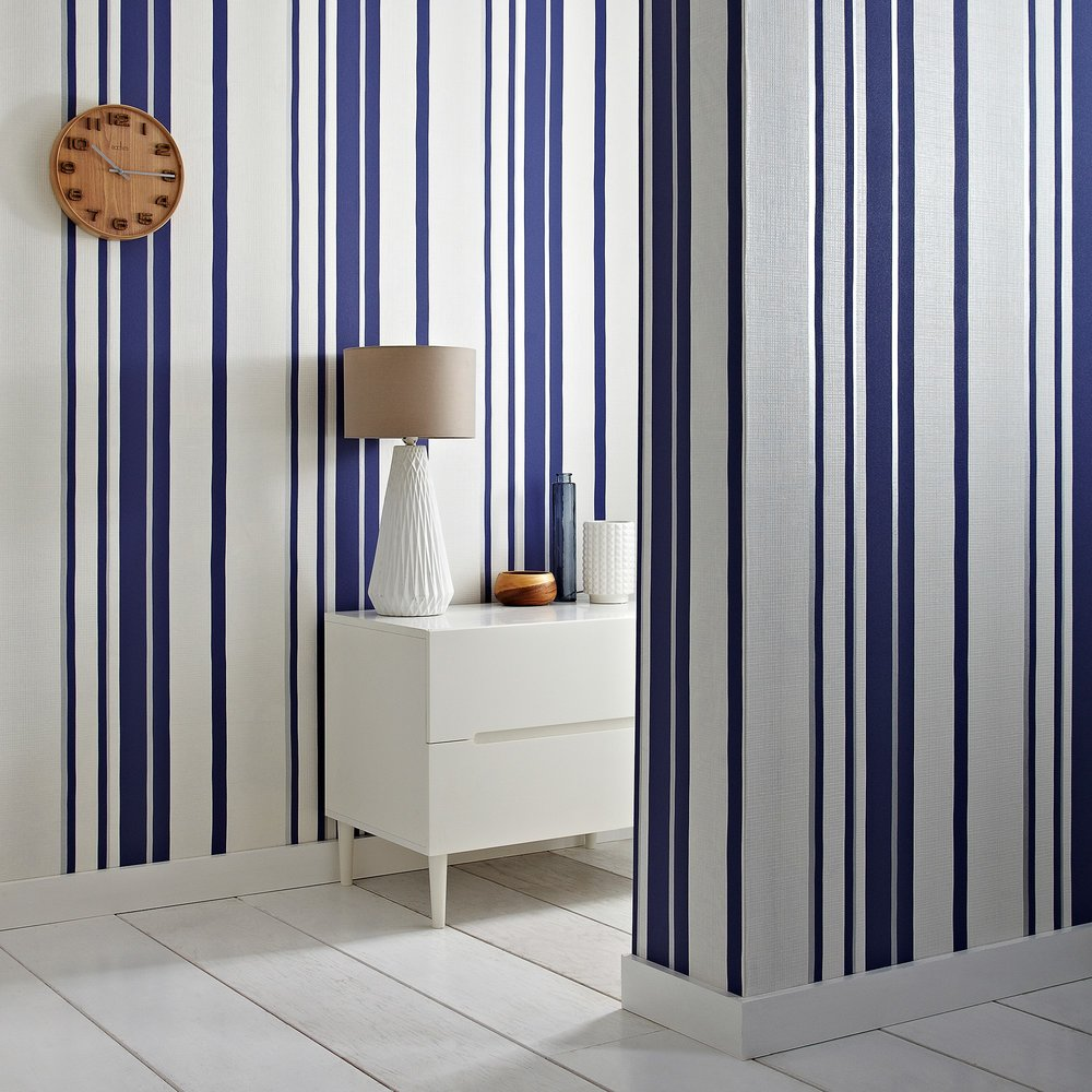 This Chic Hoppen Stripe Wallpaper From Esteemed Designer Kelly Hoppen Gives  Your Bathroom That Distinctive Nautical Theme With A Quirky Twist.