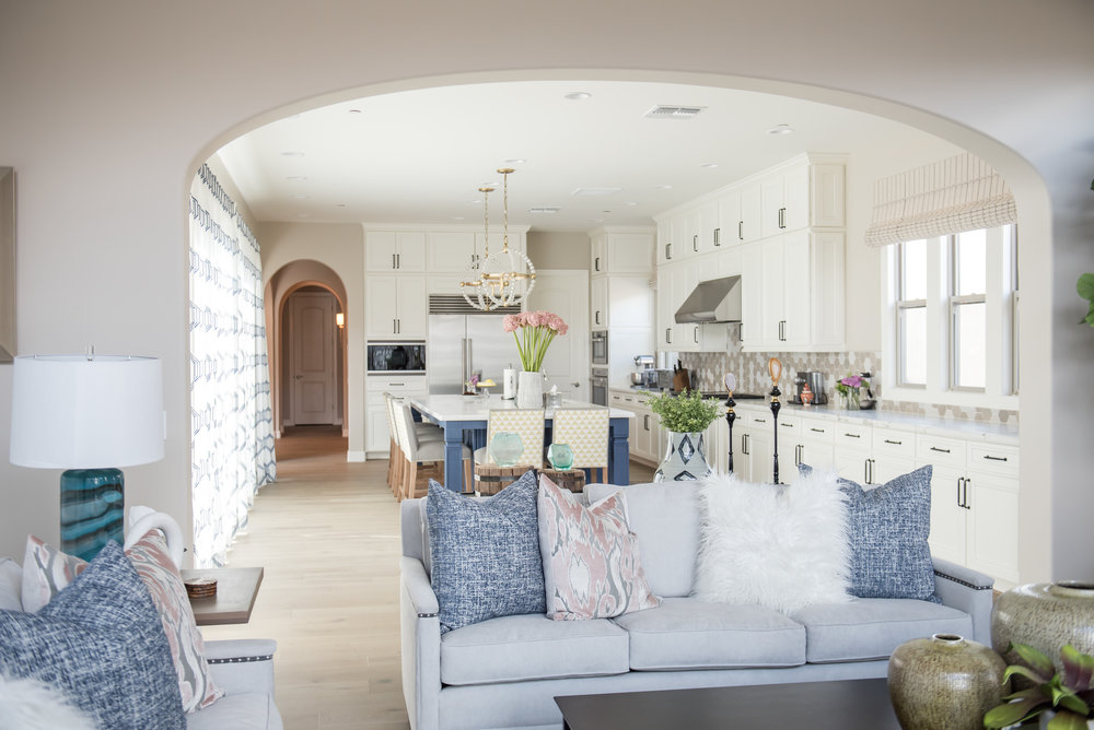 11 Accessories+Pillows+Greatroom+Scottsdale+Transitional.jpg