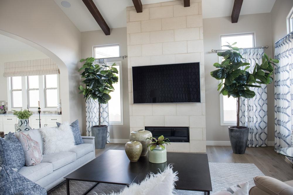 14 Fireplace+GreatRoom+Trees+Accessories.jpg