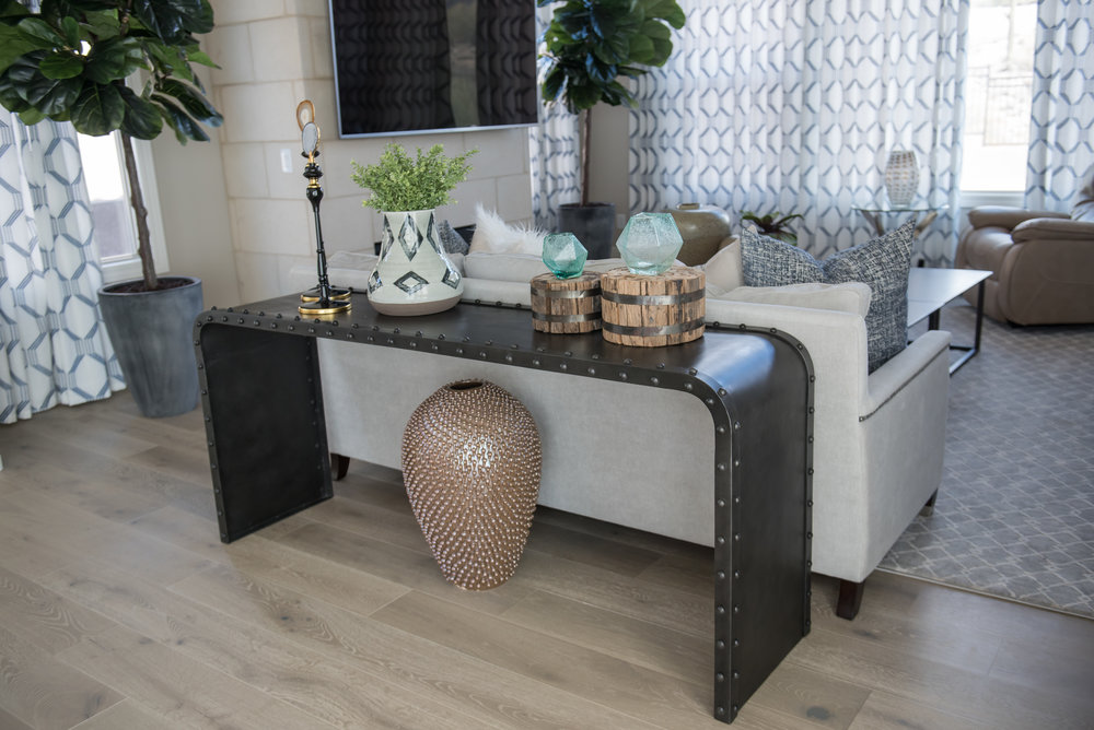 16 Greatroom+Console+Accessories+Succulent+SCottsdale+Transitional.jpg