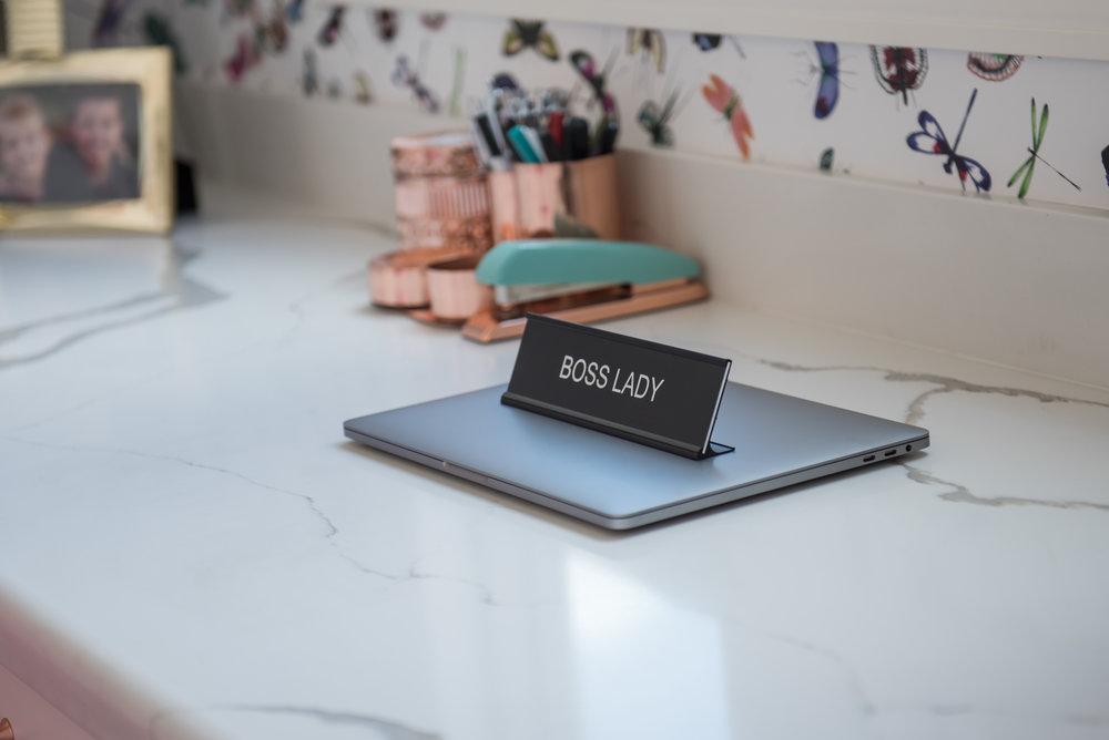 20 Scottsdale+Modern+Office+Wallpaper+Pink+Accessories.jpg