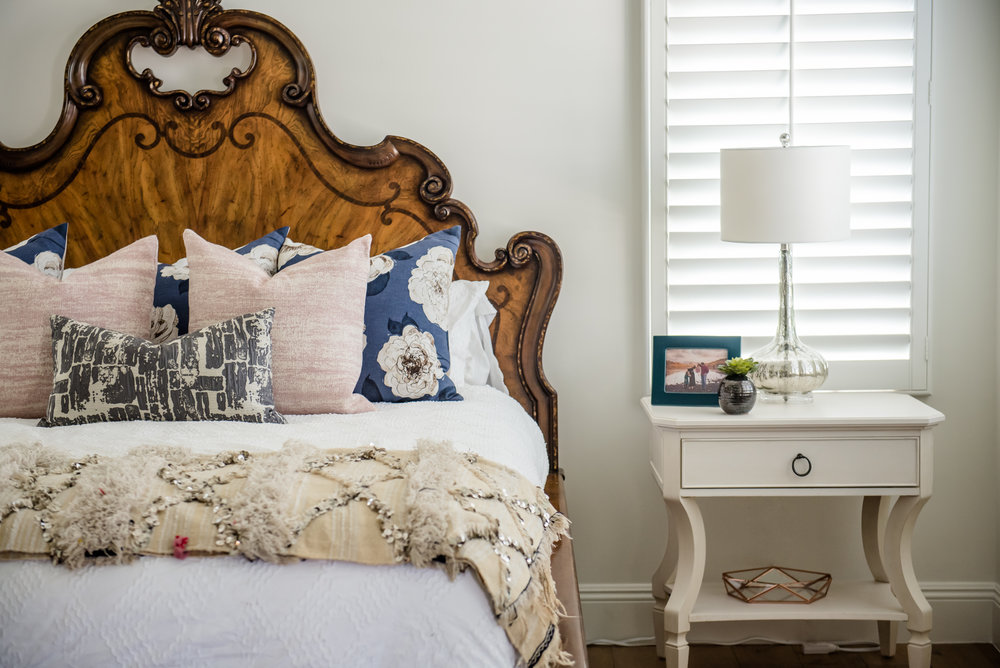 35+masterbedroom+nightstands+bedding+moroccan+navy+blush+northscottsdale.jpg