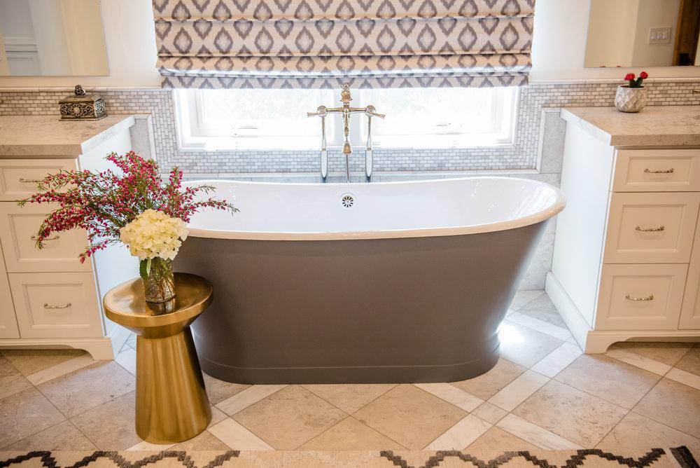38+graybathtub+master+romanshade+runner+brass+vanity.jpg