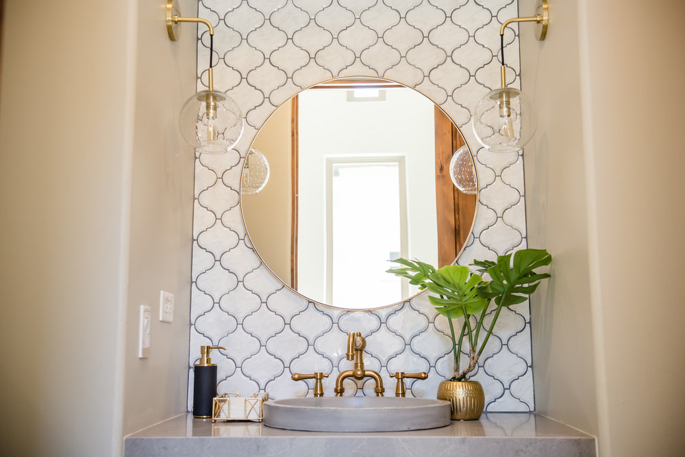 42+powderbath+tile+arabesque+brass+lighting+bohostyle.jpg