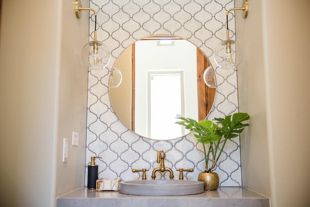 42+powderbath+tile+arabesque+brass+lighting+bohostyle.jpg