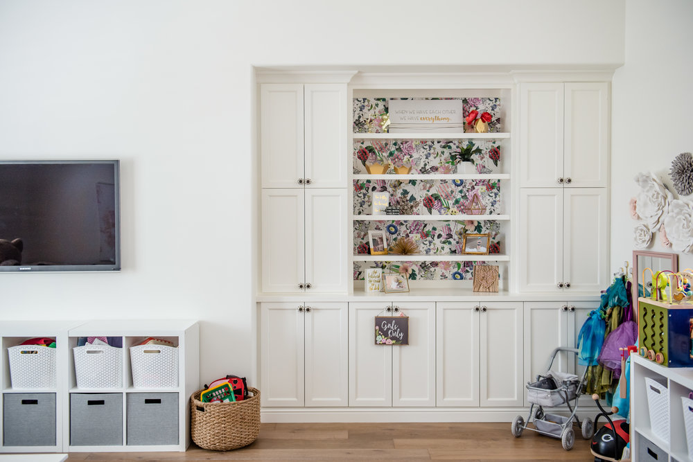 44+playroom+rug+graysectional+playroom+colorful.jpg