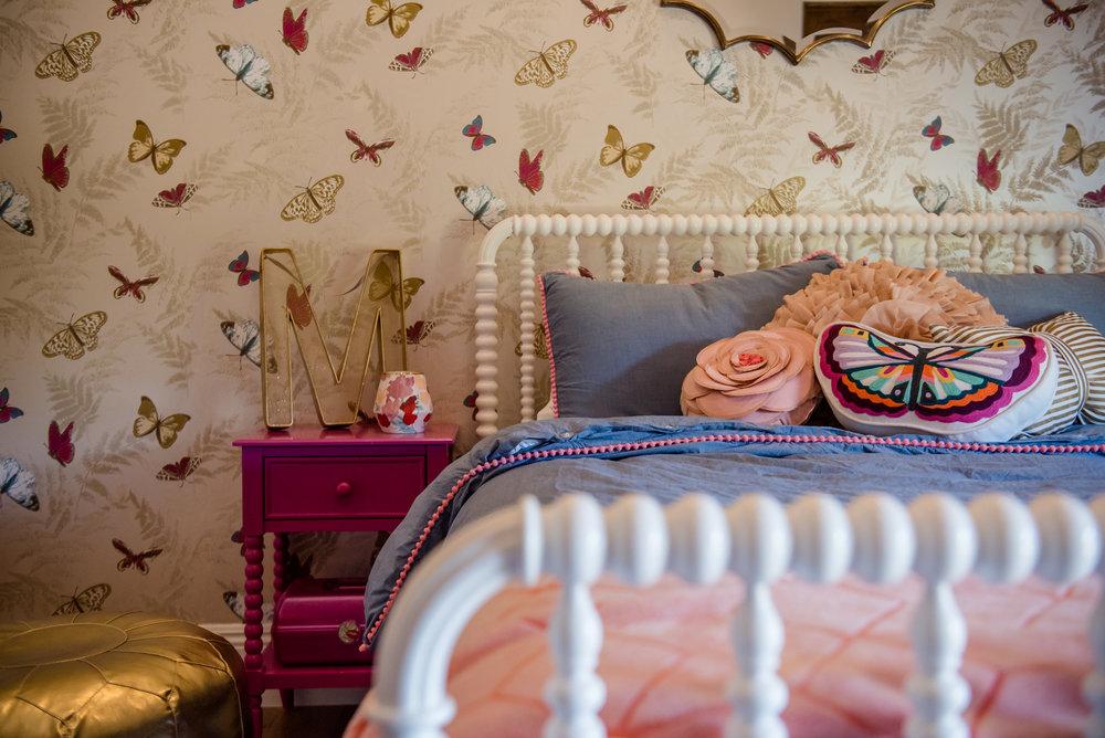 47+girlsbedroom+wallpaper+butterfly+bedding+goldpouf.jpg