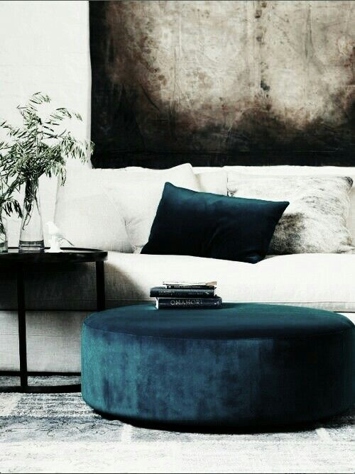 Here is a perfect example of how minimalistic you can get with your velvet decor.