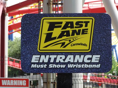 Carowinds_Fast_Lane_sign