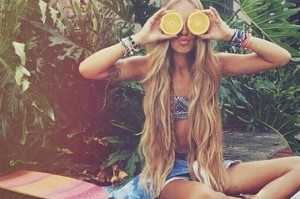 Lighten-your-hair-with-lemon