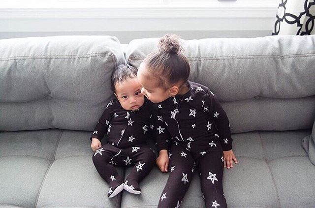 These two🌟🖤 . . . #softsie #cozycaringcool #stars #siblings #siblinglove #footie #organicbaby #softest #allyear #madeinusa #madewithlove #musthave #getyours #giftideas #baby #toddler #repost #regram #tgif