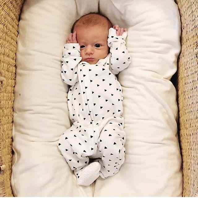 This little smush melts my 🖤 . . . #softsie #cozycaringcool #footie #madeinusa #blackandwhite #allyearround #eatplaysleep #baby #toddler #organicbaby #musthave #getyours #smushface #love #repost #regram