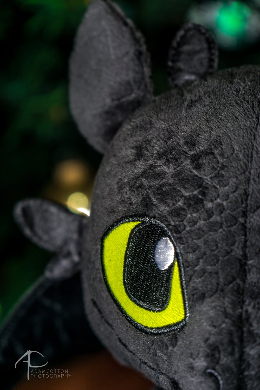 Toothless_doll_closeup_rotolight.jpg