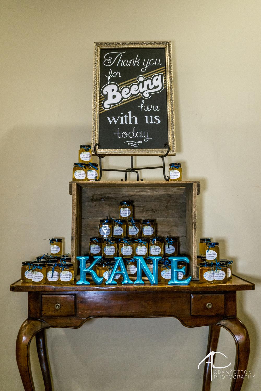 detail image of keep sake wedding honey jars at lea house pensacola wedding venue