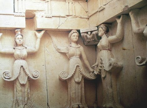 Thracian Tomb of Sveshtari  from UNESCO site_0359_0001-469-0-20090924180152[1].jpg