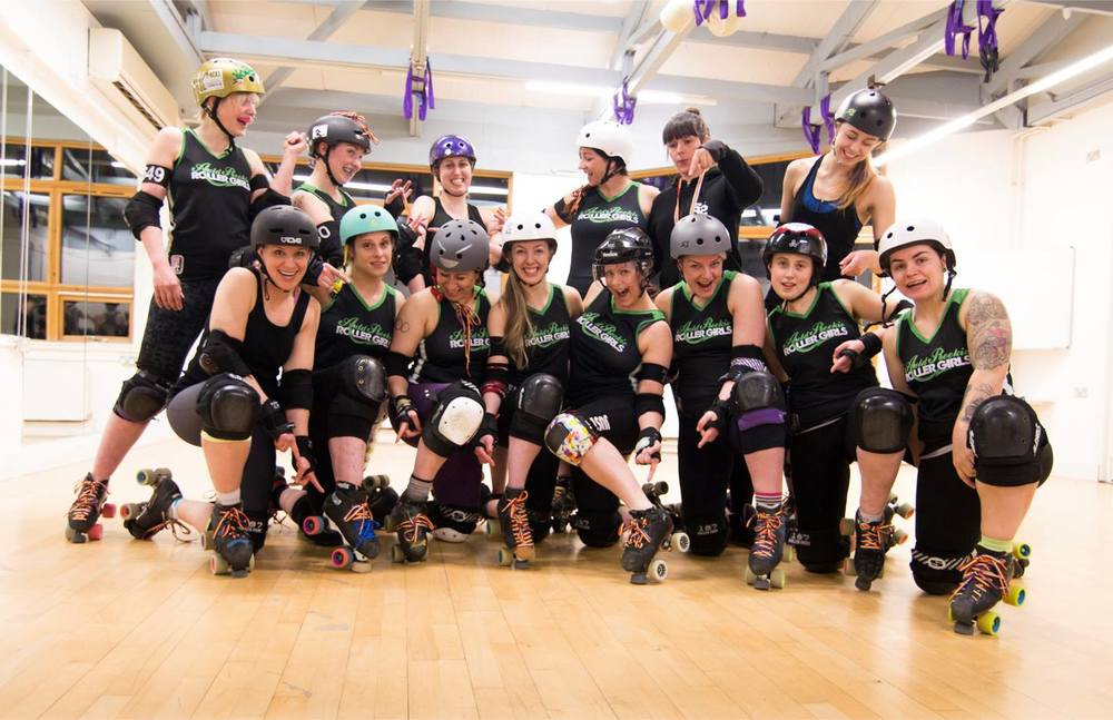 The Auld Reekie Roller Girls with #rainbowlaces