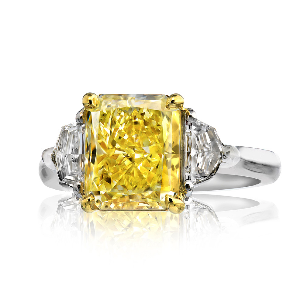 FANCY YELLOW RADIANT CUT DIAMOND WITH COLORLESS CADILLAC CUT DIAMONDS CRAFTED IN 18K YELLOW GOLD AND PLATINUM, 3.58 CTW