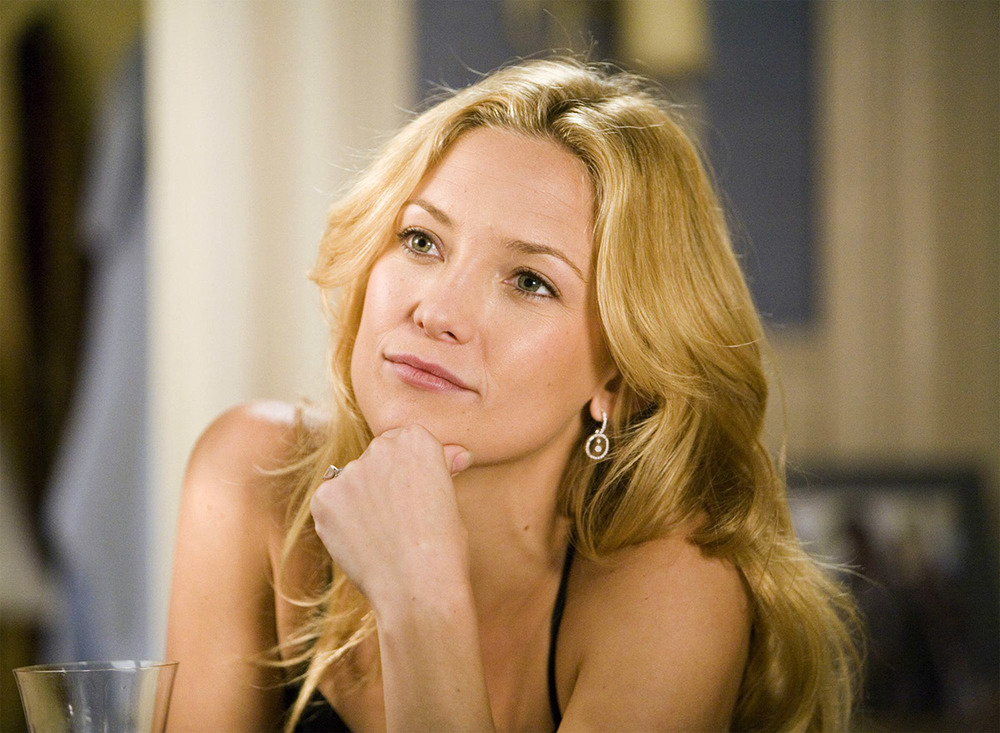 Kate Hudson wearing SRW Diamond Dangle Earrings
