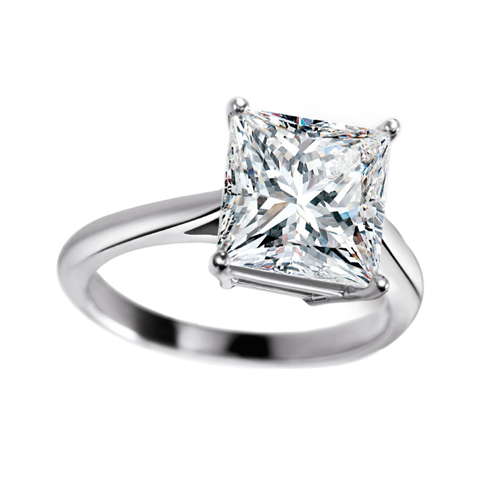 PRINCESS CUT SOLITAIRE RING WITH 4.11 CARAT DIAMOND, CRAFTED IN PLATINUM