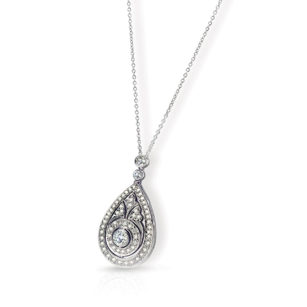 ARANDALE PENDANT WITH ROUND DIAMOND CENTER AND DIAMOND PAVE, CRAFTED IN 18K WHITE GOLD, 1.47 CTW
