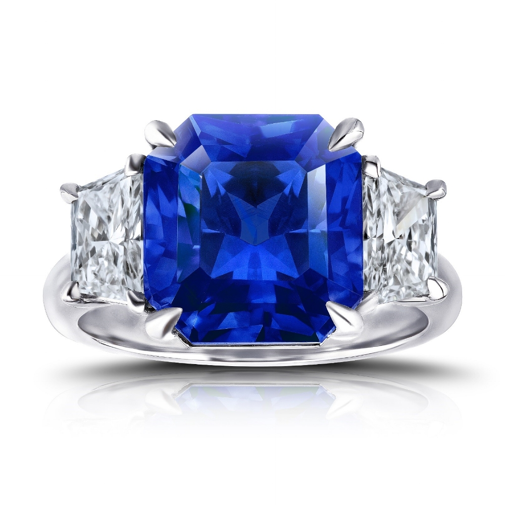 CEYLON SAPPHIRE RADIANT CUT WITH TRAPEZOID SIDE DIAMONDS CRAFTED IN PLATINUM, 10.13 CTW