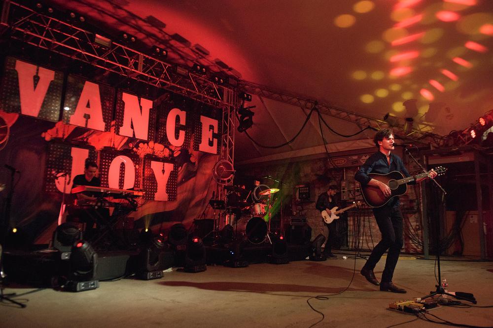 vance-joy-stubbs-austin-concert-photographer-2.jpg