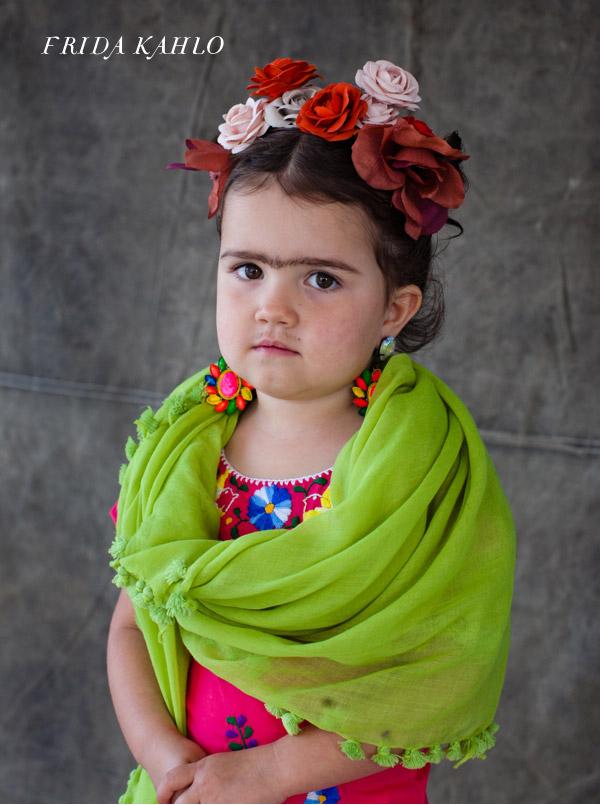3Frida-Kahlo-Costume1.jpg