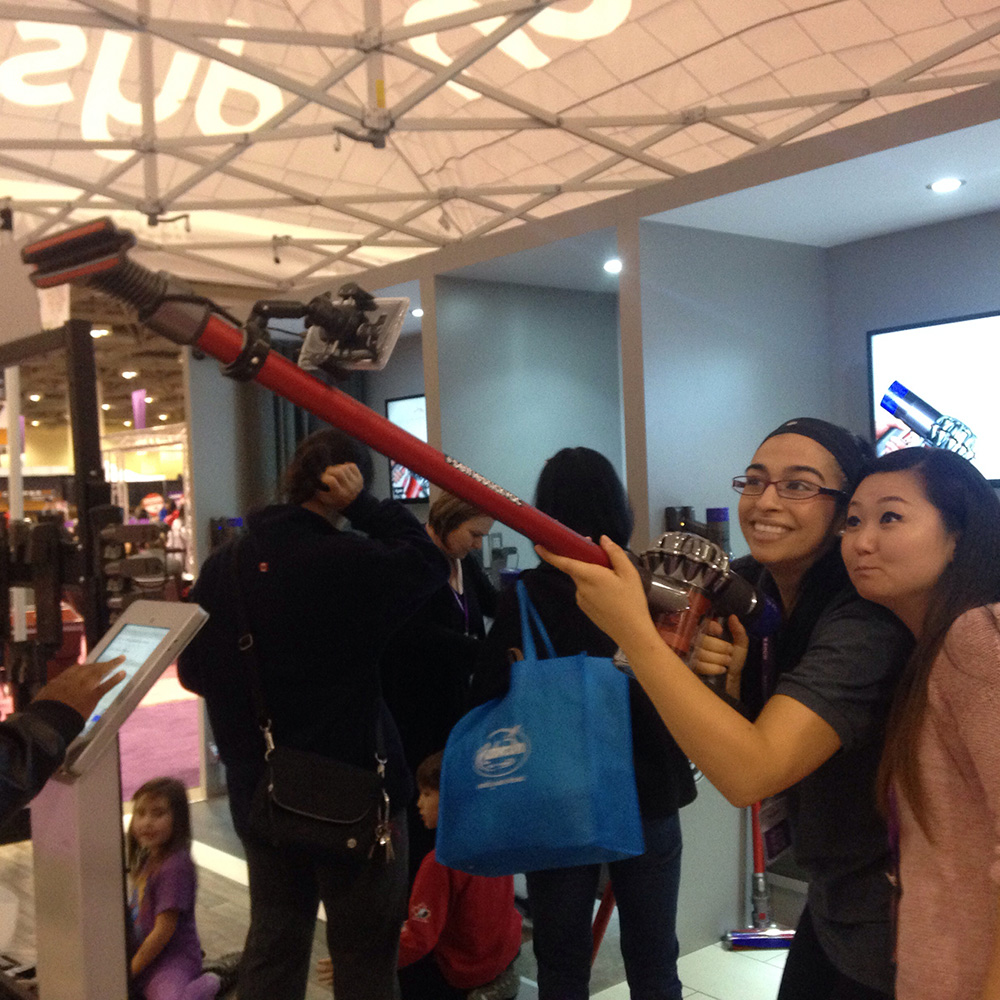 Selfie-Stick Vacuum<strong>Dyson</strong>