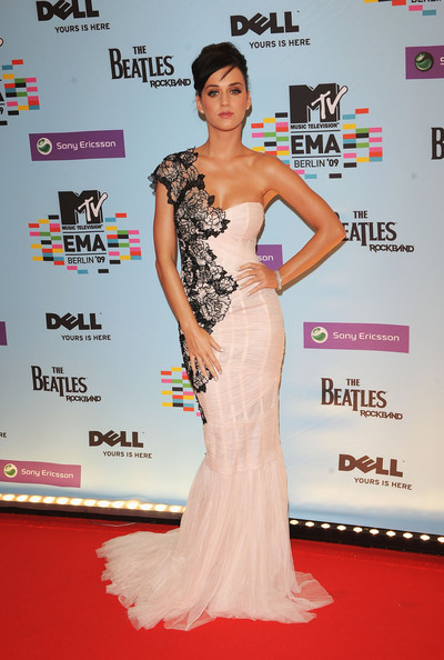 MTV+Europe+Music+Awards+2009+Arrivals+jUPgv9jz5Pxl.jpg