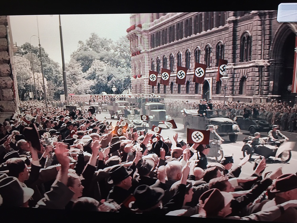 Parade infront of the Viennese city hall in the movie