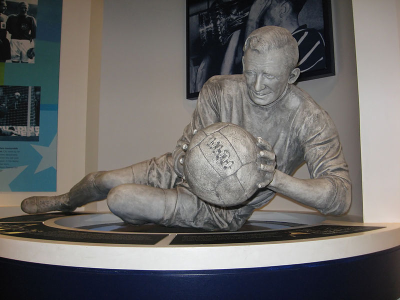 Sculpture of Bert Trautmann in the Museum of Manchester City. (Source: wikipedia)