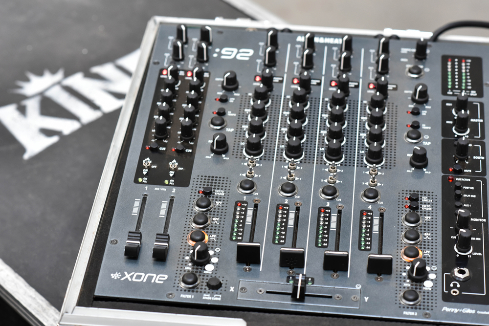 DJ EQUIPMENT: MIXERS, PLAYBACK, ETC
