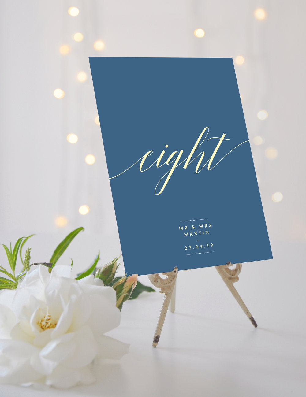 Table Name / Number - Our table cards are printed in a large A5 format and double-sided, so guests always know where they need to take their seat. You can opt for either standard numbering or creative naming; it's entirely up to you.