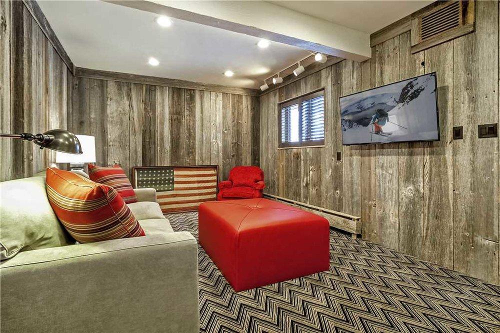 livingroomspace.jpg