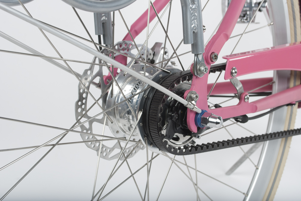 Chain-less Belt drive:With the Gates Carbon Drive, there's no grease, no noise, very little maintenance- and it's long lasting. Disc Brakes: Powerful and adaptable, great for all weather and conditions.