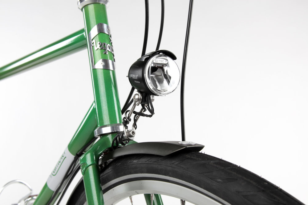 Wired Lighting: Hub generator powered lights are always attached to the bike and shining while the wheels are rolling – no batteries required.