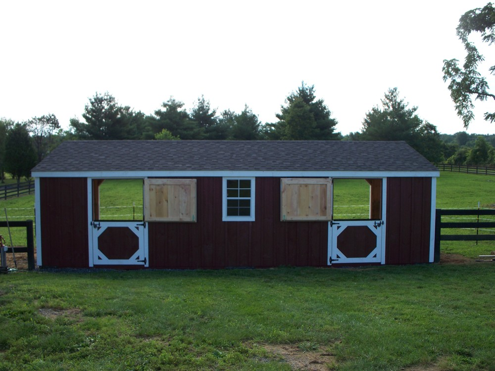 amish horse barn builder