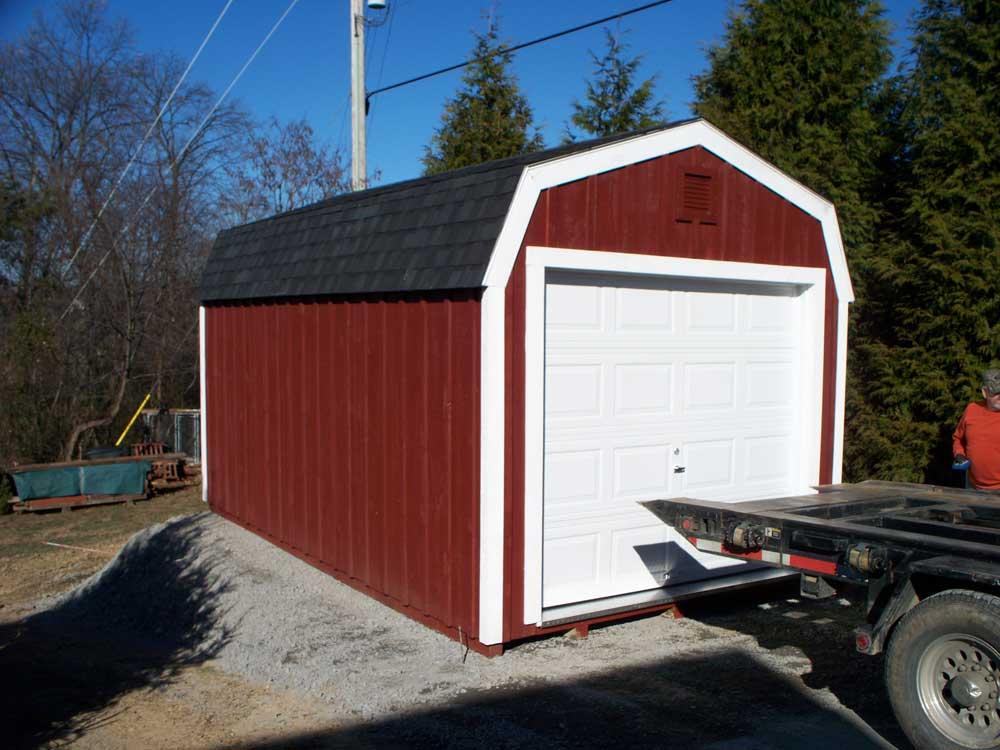amish barn with garage