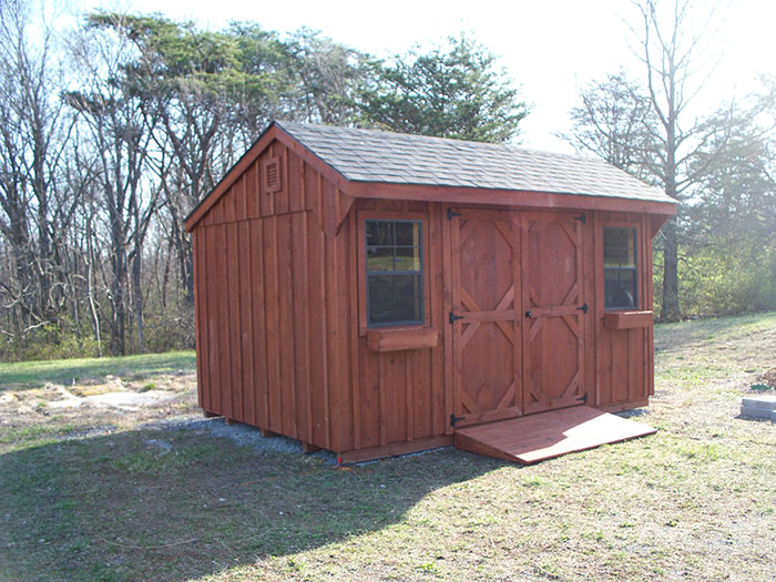 wood amish barn