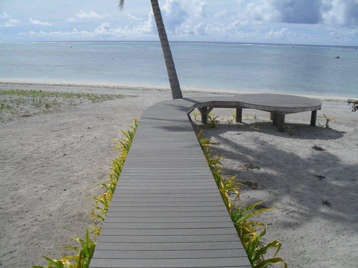 Aitutaki Beach walkway.jpg