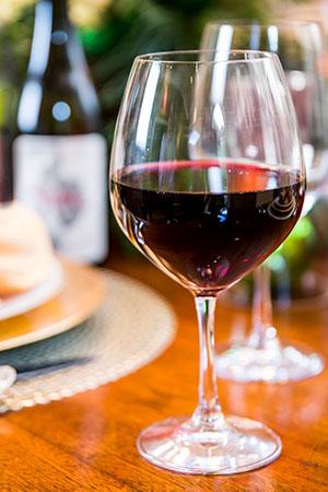 Red-Wine-table-web.jpg