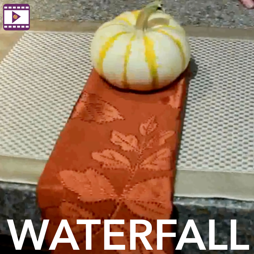 Napkin Fold: Waterfall