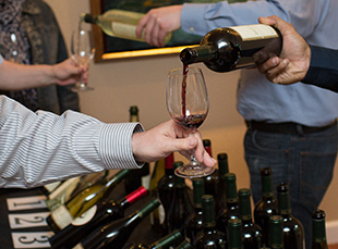 WineTastingGuests_8208-crop-web.jpg