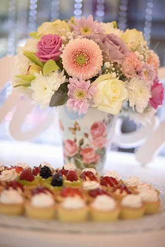 dessert-bar-decor-flowers-web.jpg
